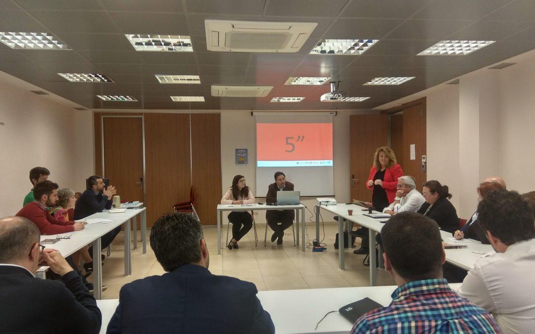 Una treintena de empresarios han acudido a la primera sesión de trabajo del Club Empresarial de Networking